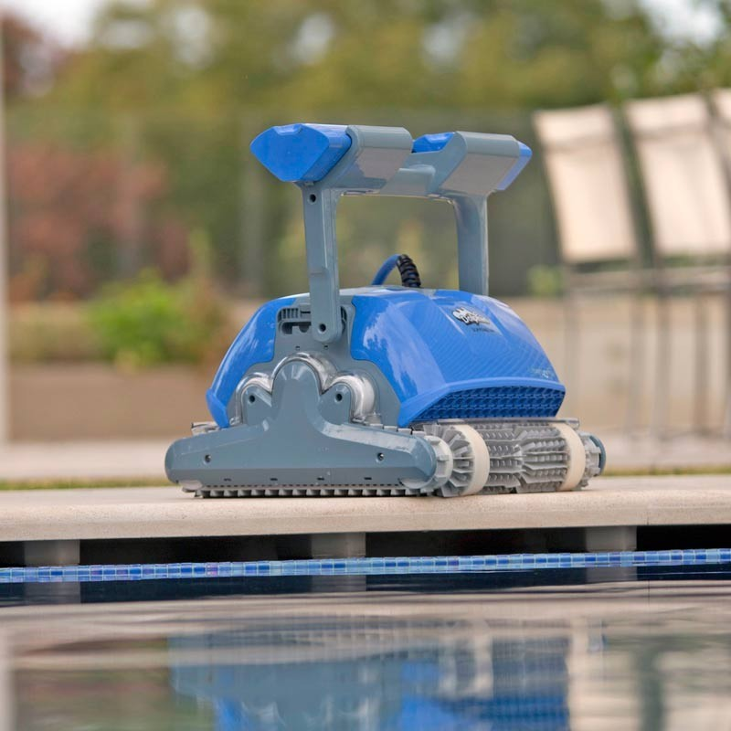 Робот за почистване на басейн Dolphin Supreme M5