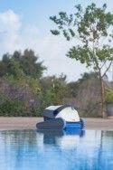 Робот за почистване на басейн Dolphin S300i