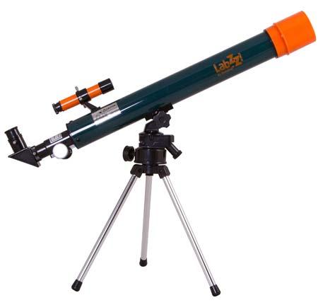 Телескопите от тази серия ще позволят на детето да се потопи в света на изумителните астрономически открития. Всички необходими принадлежности вече са включени в комплекта.